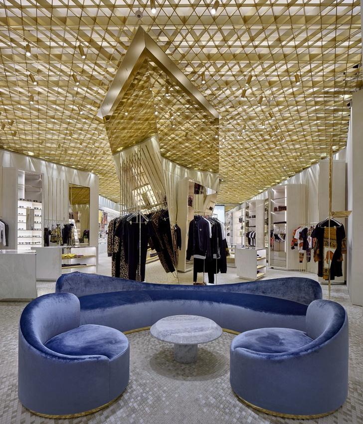 В Майами открылся новый бутик Versace (фото 4)