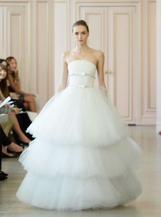 Дом Oscar de la Renta представил новую свадебную коллекцию