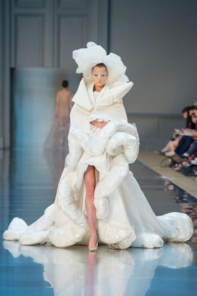 10 самых красивых свадебных платьев с Недели Высокой моды в Париже. | галерея [1] фото [7]