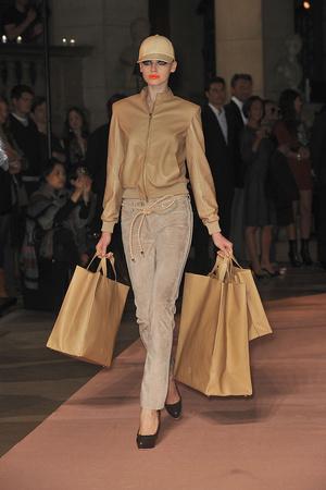 Показы мод Loewe Весна-лето 2010 | Подиум на ELLE - Подиум - фото 2932