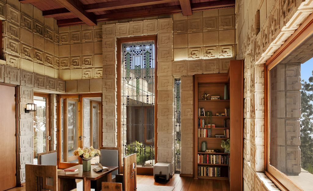 «Дом Эннисов» Фрэнка Ллойда Райта выставлен на продажу (галерея 7, фото 4)