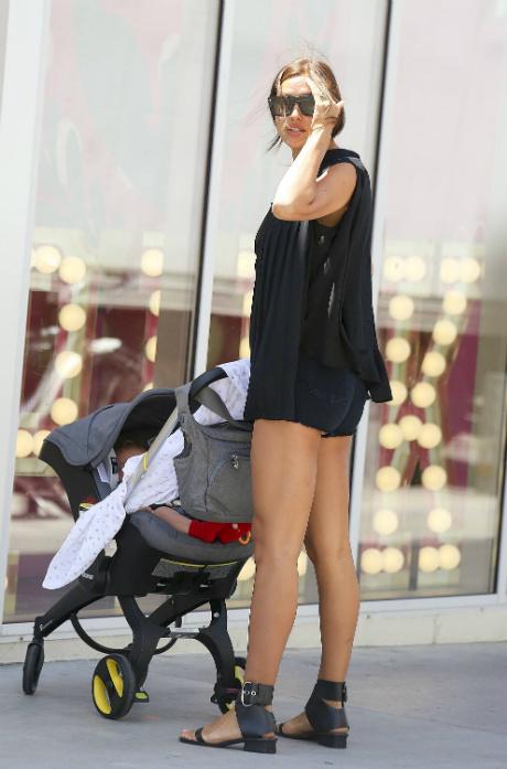 Ірина Шейк з донькою