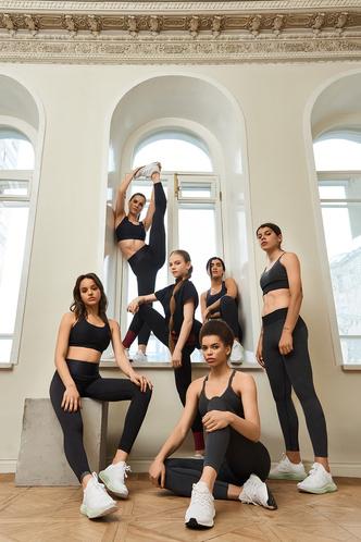 Сюзанна, Надя Карпова и Александра Трусова в новой кампании adidas Primeknit (фото 3.2)