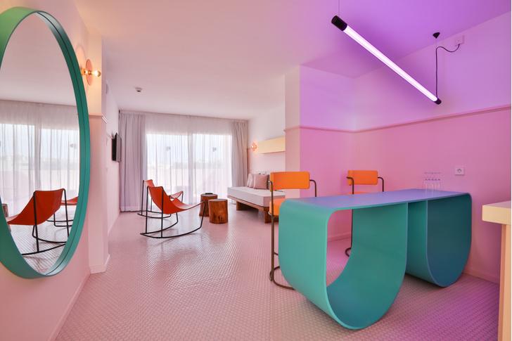 Американский модернизм и группа «Мемфис» в отеле на Ибице (фото 10)