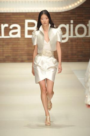 Показы мод Laura Biagiotti Весна-лето 2009 | Подиум на ELLE - Подиум - фото 3344
