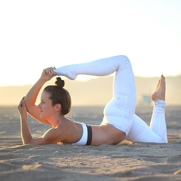 ВСТАЛА В ПОЗУ: 7 мотивирующих йога-аккаунтов | галерея [4] фото [1]