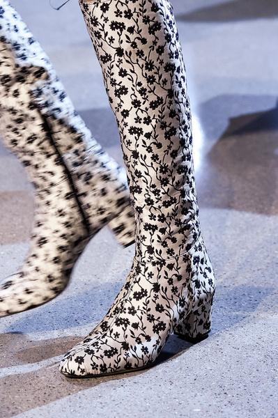Самая красивая обувь Недели моды в Нью-Йорке | галерея [1] фото [17]