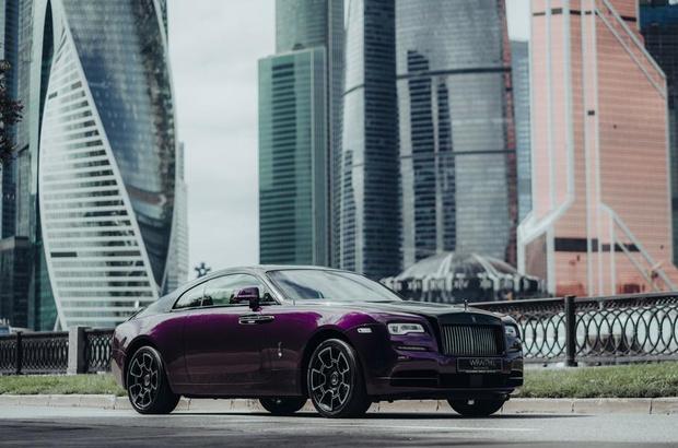 Rolls-Royce представили особую коллекцию Wraith, вдохновленную ночной Москвой (фото 2)
