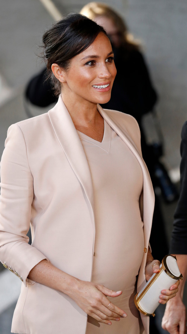 Прощай, королева: 30 лучших выходов Меган Маркл в качестве члена монаршей семьи (фото 62)