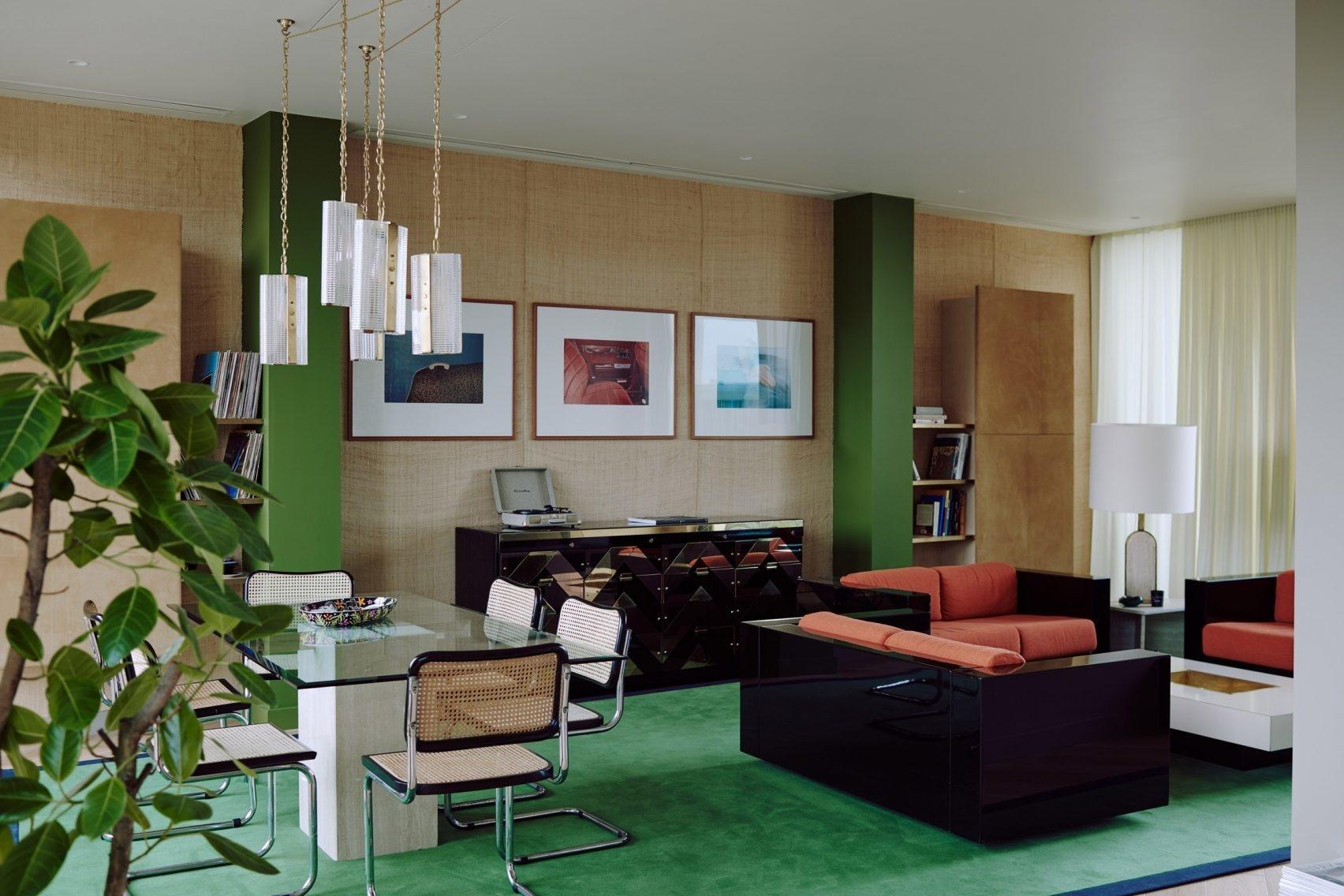 Терапия цветом: 30 проектов ярких гостиных (галерея 0, фото 2)