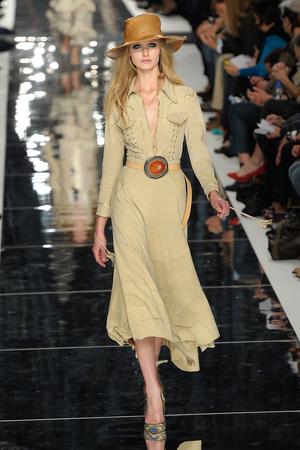 Показы мод Just Cavalli Весна-лето 2011 | Подиум на ELLE - Подиум - фото 2547