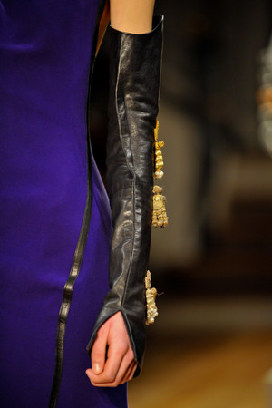 Показ Atelier Gustavo Lins коллекции сезона Весна-лето 2013 года haute couture - www.elle.ru - Подиум - фото 480213