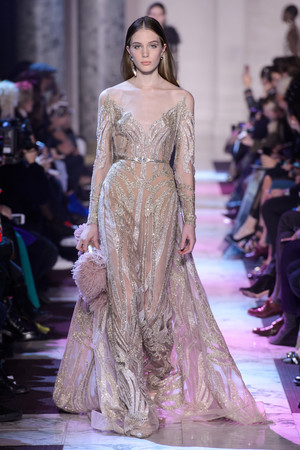 Показ Elie Saab коллекции сезона Весна-лето 2018 года Haute couture - www.elle.ru - Подиум - фото 675231