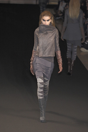 Показы мод Rick Owens Осень-зима 2010-2011 | Подиум на ELLE - Подиум - фото 2728