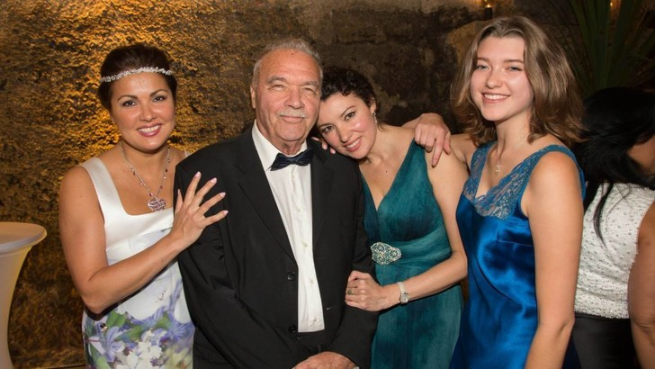 Анна Нетребко с семьей