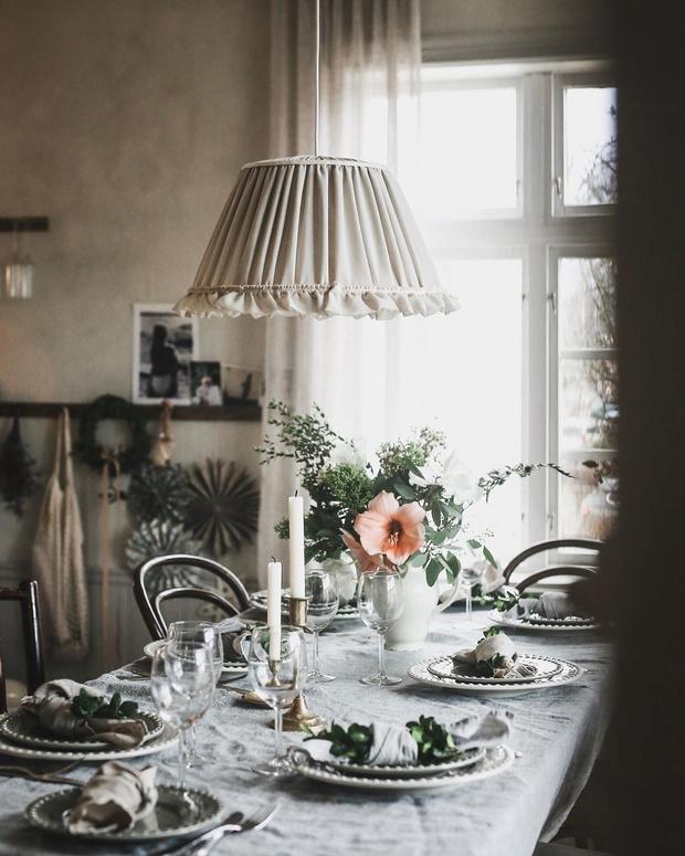 Аристократично и стильно:  10 главных правил декора интерьера свечами (фото 19)