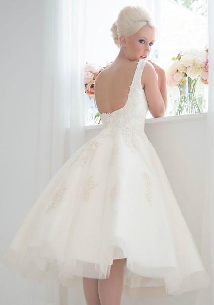 Пышные короткие свадебные платья 2017