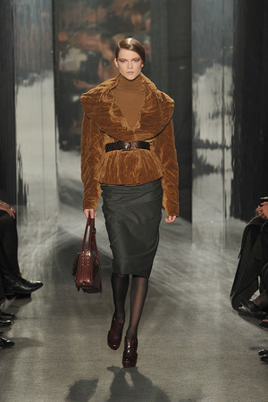 Показ Donna Karan коллекции сезона Осень-зима 2009-2010 года prêt-à-porter - www.elle.ru - Подиум - фото 90104