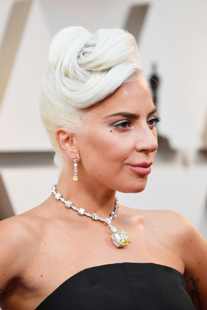 Макияж и укладки: 10 лучших бьюти-образов «Оскара-2019» (фото 4)