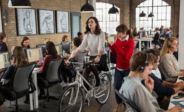 Как (на самом деле) сидеть за рабочим столом, чтобы сохранить осанку (фото 5)