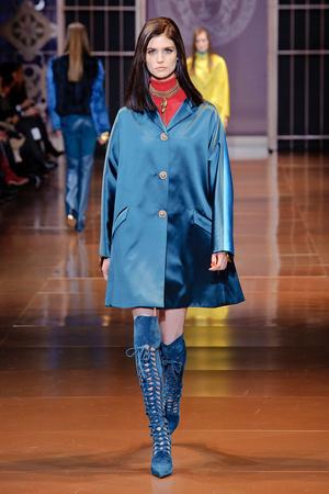 Показы мод Versace Осень-зима 2014-2015 | Подиум на ELLE - Подиум - фото 3950