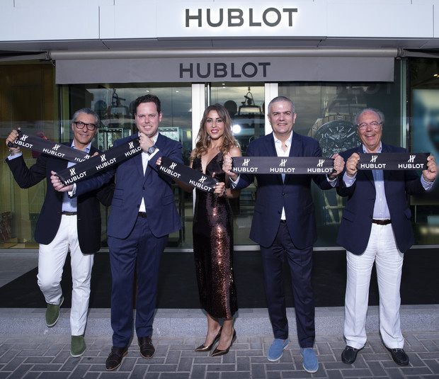 Hublot открыли поп-ап бутик на Ибице и представили новый хронограф (фото 1)