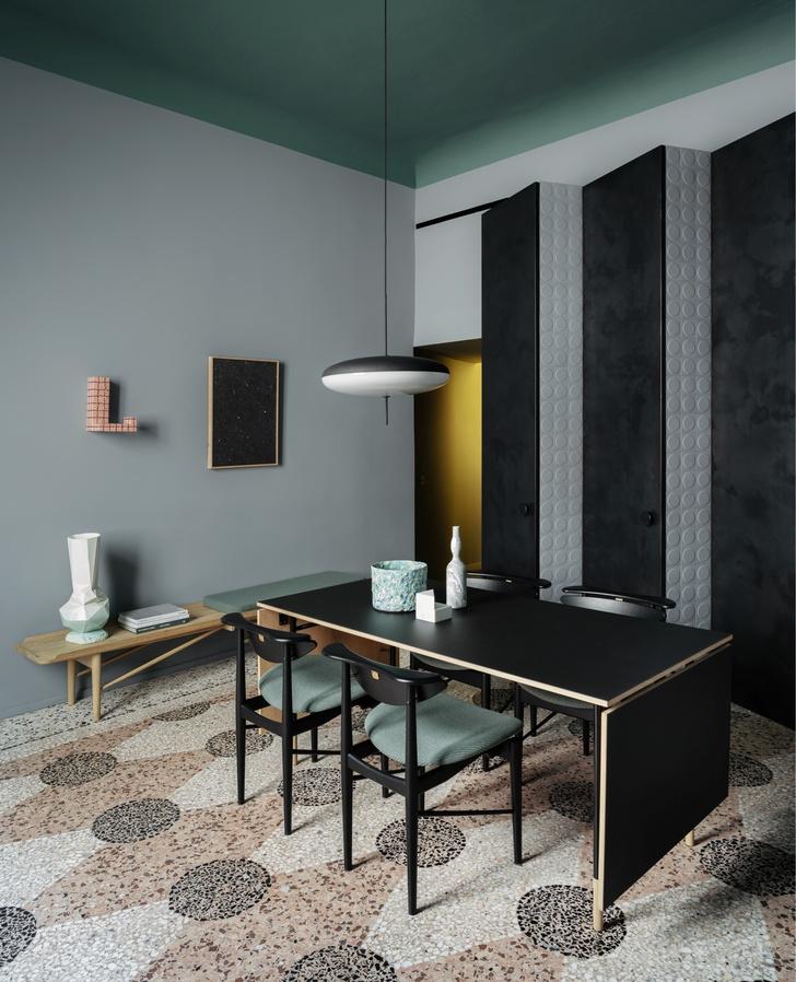 Темное царство: квартира в Милане (фото 10)