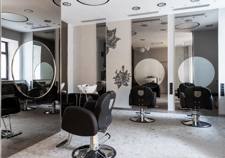 Салон красоты с вышивкой на стенах в Москве (фото 3)