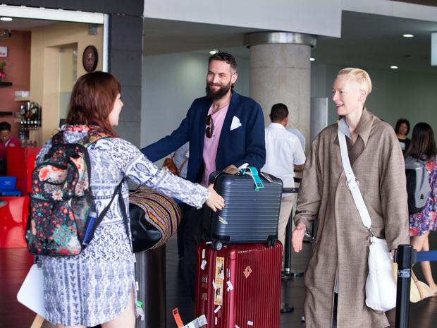57-летняя Тильда Суинтон и ее молодой бойфренд  отдыхают в Колумбии (фото 2)
