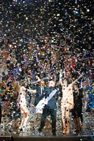Показ Jean Paul Gaultier коллекции сезона Весна-лето 2015 года prêt-à-porter - www.elle.ru - Подиум - фото 591208