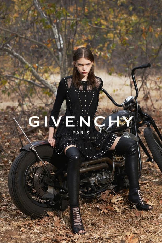 Одежда от Givenchy