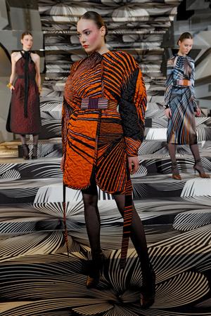Показ Vionnet коллекции сезона Осень-зима 2011-2012 года prêt-à-porter - www.elle.ru - Подиум - фото 251750