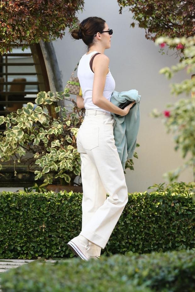 Ходите на свидание в белом, если мечтаете выйти замуж, как Кендалл Дженнер (фото 5)