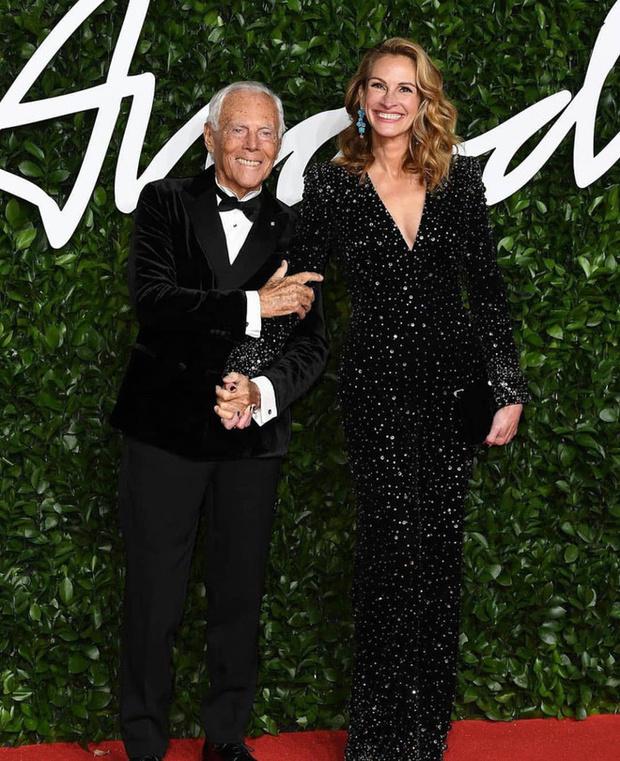 Блеск пайеток и прозрачные ткани: самые красивые платья церемонии Fashion Awards 2019 (фото 6)
