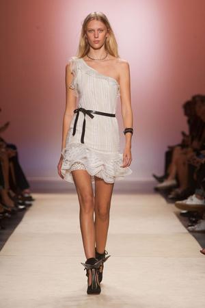 Показы мод Isabel Marant Весна-лето 2014 | Подиум на ELLE - Подиум - фото 3668