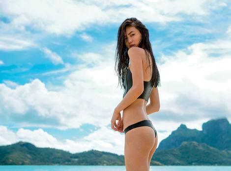 НА ВОЛНЕ: модные купальники в спортивном стиле | галерея [1] фото [8]