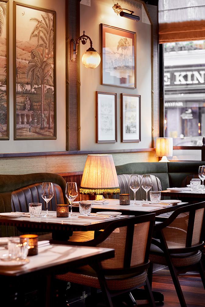 Лондонский бар Gymkhana в колониальном стиле (фото 8)