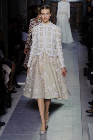 Показ Valentino коллекции сезона Весна-лето 2013 года Haute couture - www.elle.ru - Подиум - фото 480758