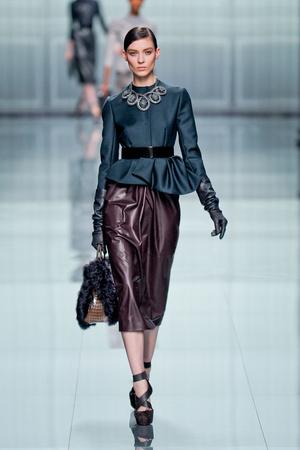 Показ Christian Dior коллекции сезона Осень-зима 2012-2013 года prêt-à-porter - www.elle.ru - Подиум - фото 376297