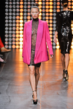 Показ Julien Fournie коллекции сезона Осень-зима 2012-2013 года Haute couture - www.elle.ru - Подиум - фото 404515