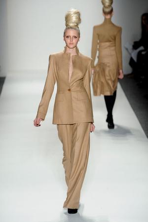 Показы мод Zang Toi Осень-зима 2011-2012 | Подиум на ELLE - Подиум - фото 2421