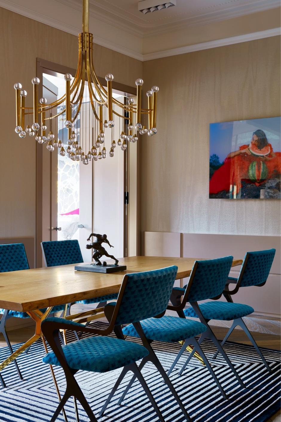 Золото на голубом: квартира 90 м² в Петербурге (фото 0)
