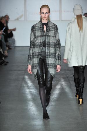 Показы мод Zero + Maria Cornejo Осень-зима 2009-2010 | Подиум на ELLE - Подиум - фото 3194