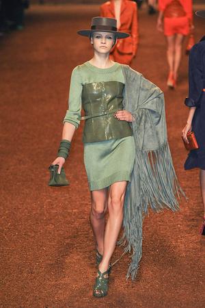 Показы мод Hermes Весна-лето 2011 | Подиум на ELLE - Подиум - фото 2468