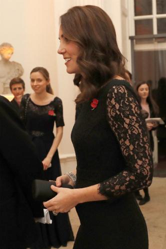 Беременная Кейт Миддлтон на гала-ужине центра Анны Фрейд фото [4]