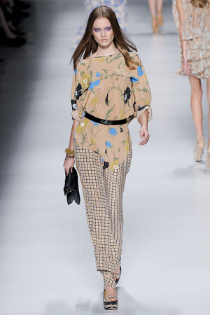 Показы мод Etro Весна-лето 2011 | Подиум на ELLE - Подиум - фото 2535