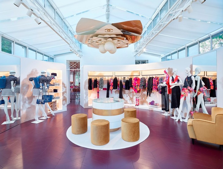 В Сен-Тропе начал работу сезонный бутик Chanel