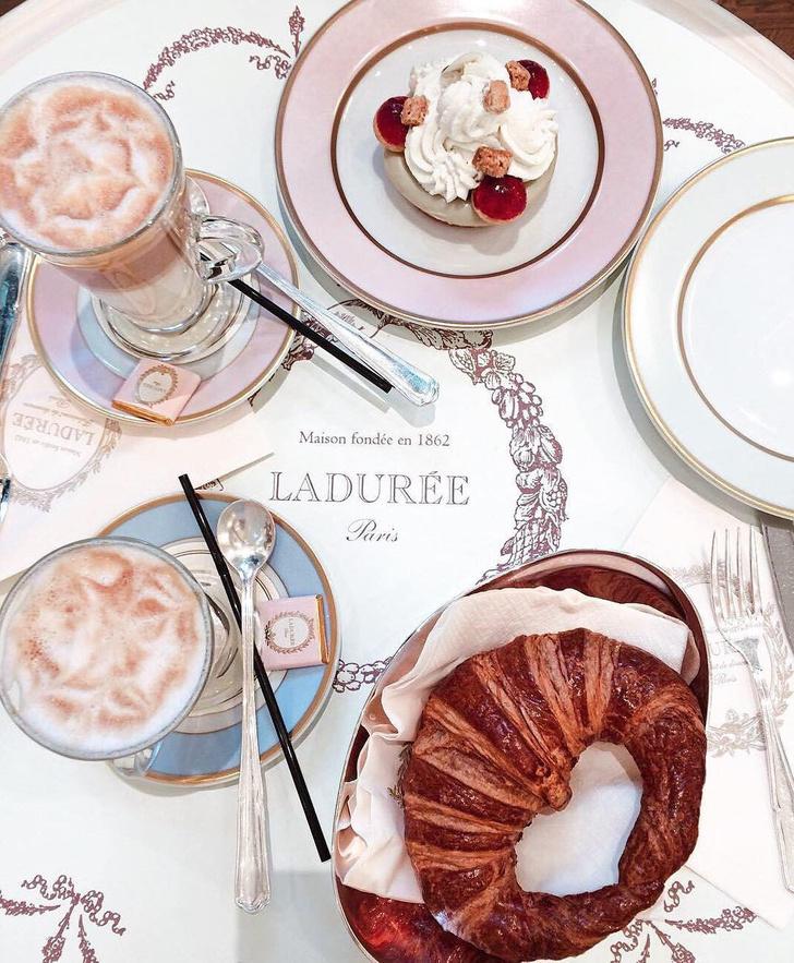 Ресторан кондитерской Ladurée на Красной площади