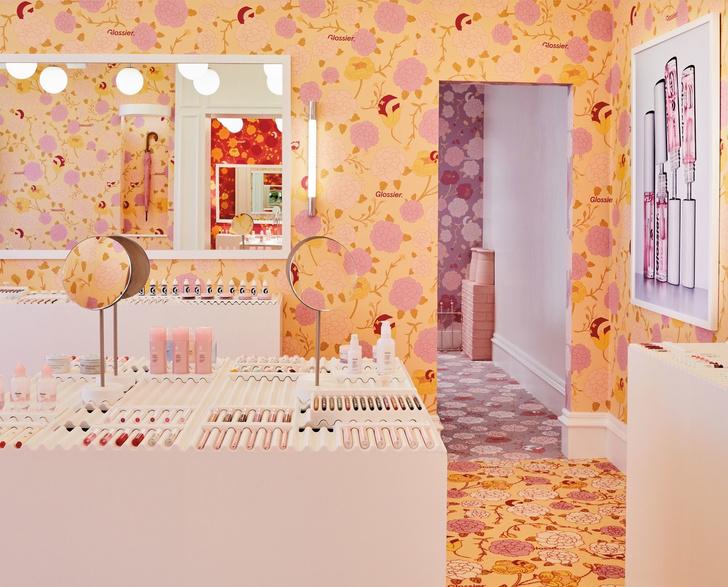 Цветы и помады: первый pop-up бутик Glossier в Лондоне (фото 0)