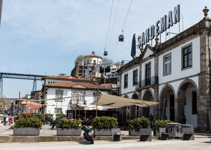 Дизайнерский хостел в Португалии (фото 0)